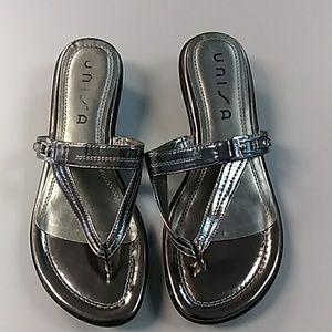 Unisa silver flip flop slide sandals 9 NWOB